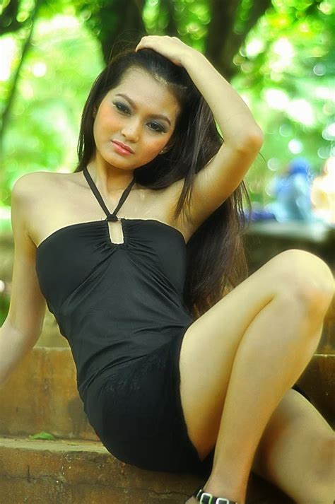 indonesian nude girls pic